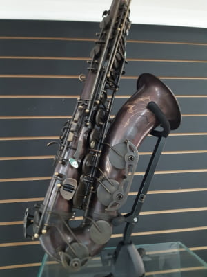 Saxofone Tenor Magenthus - Pequenas Avarias